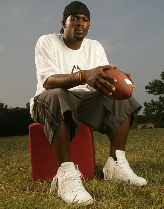 Heading into the 2005 season, Falcon fans were hoping for the first back-to-back winning seasons in franchise history.  After an 8-5 start, Atlanta dropped its final three games to finish with a .500 record. Vick started 15 games and threw for 2,412 yards. He ran for another 597 yards and led the NFL with 5.9 yards per carry.