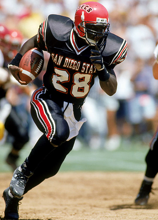 Another victim of stellar play on a mediocre squad, Marshall Faulk rushed for 1,630 yards and 15 touchdowns for a 5-5-1 San Diego State Aztecs squad.  The 1992 winner, Gino Torretta, led a Miami Hurricanes squad to an 11-1 record.