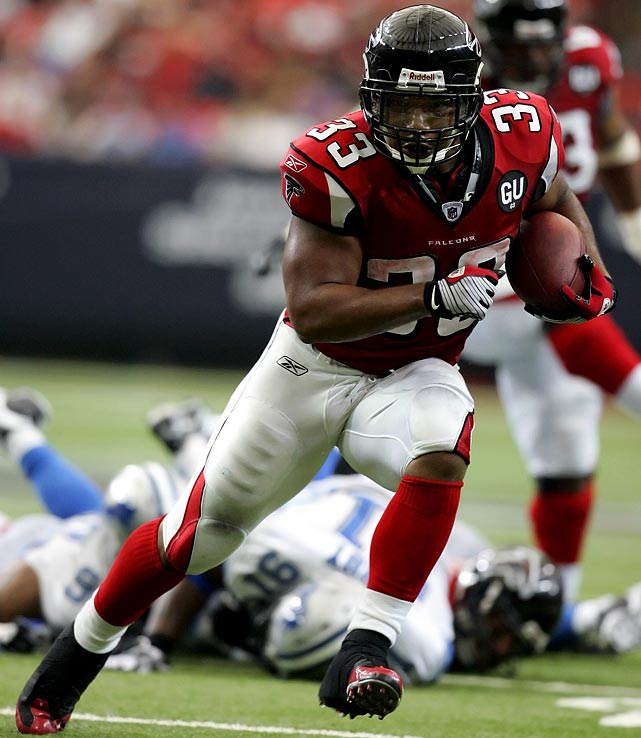 Talk about first impressions. In his first game after signing a lucrative contract with the Atlanta Falcons, Michael Turner tore up the Detroit Lions with 220 rushing yards and two touchdowns.  His total shattered the Falcons' franchise record for rushing in a single game, and set the record for most rushing yards by a player in his first game with a new team.