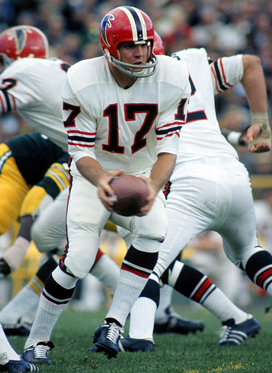 Coming off a Pro Bowl season in 1969, Falcons quarterback Bob Berry hoped to steer Atlanta to the playoffs in 1970. Despite flinging 16 touchdown passes, Berry and the Falcons limped to a 3-7-2 record, good enough for third in the NFC West. They lost this Week 2 contest to the Green Bay Packers 27-24.