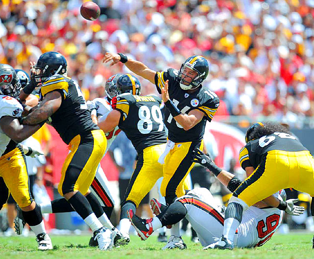 Making his first start since 2007, a rejuvenated Charlie Batch picked apart the Tampa Bay defense for 186 passing yards and three touchdowns.