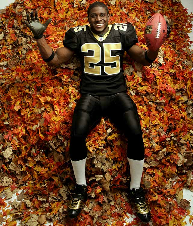 Bush's sophomore NFL season was a struggle. The Saints went from appearing in the NFC Championship game to a losing record (7-9). Bush ran for only 581 yards and missed the  final four games of the season with a partially torn posterior cruciate ligament in his left knee.