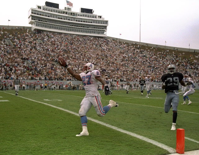 One of the NFL's most durable backs in history, Eddie George torched the Raiders in the first game of his second season in the league. The Oilers continued to feed and feed George all afternoon, and the former Buckeye continued to produce one carry after another. At day's end, George finished with 35 carries for 216 yards and a TD.