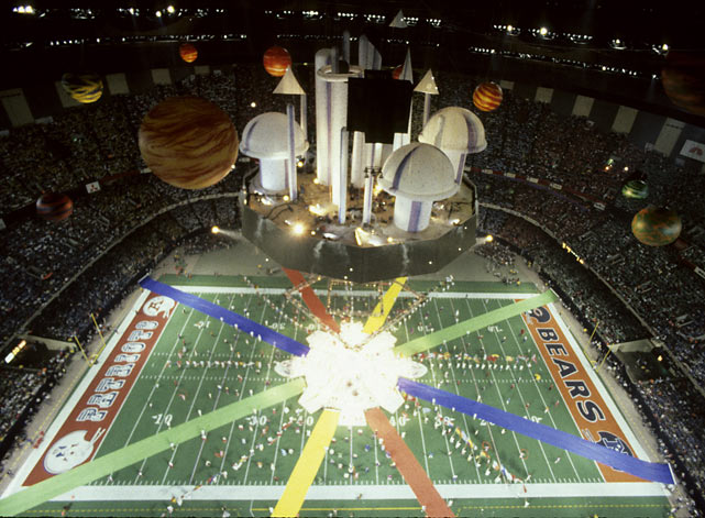 Super Bowl XX was played at the Louisiana Superdome in New Orleans on Jan. 26, 1986.  The national anthem was performed by Wynton Marsalis; Bart Starr tossed the coin.