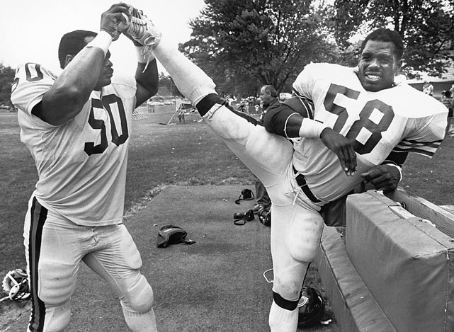 The core of the team was its defense, which was led by middle linebacker Mike Singletary (No. 50), the 1985 NFL Defensive Player of the Year. The defense held opponents to 10 points or fewer in 11 of 16 regular season games and in all three playoff victories.