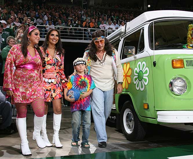 The entire Izzo family got in on the '70s fun as the Spartans began another season.