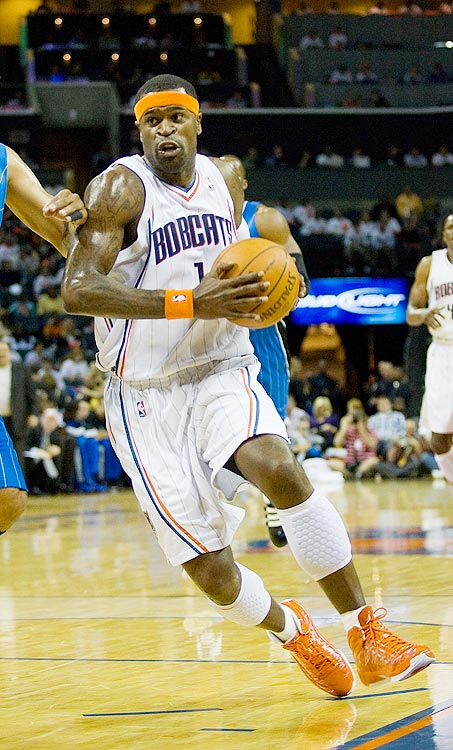2009-10 Key Stats: 21.1 ppg | 5.1 rpg | 3.6 apg | 1.6 spg   Stephen Jackson's proclivity for shooting the three-pointer dampens his value.  Across the board, Jackson is a dynamo, contributing in points, rebounds and steals.  But the former Warrior jacks up almost 5 three-point attempts a game, hurting his field-goal percentage.  It doesn't help that he also turns the ball over 3.2 times a game.  If you add Jackson, you'll need to add some percentage help later.