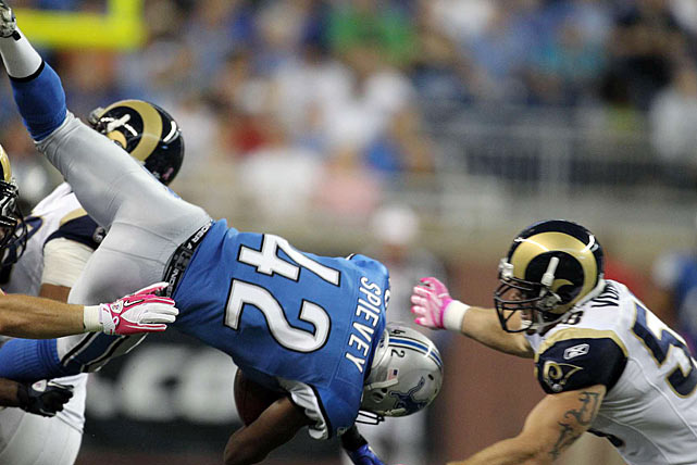 The opening kickoff is often an afterthought; a mere formality that acts as a prelude to the well-manicured game plan that follows.  But in the Detroit-St. Louis matchup, said kickoff may have been the biggest play of the game.  Having not given up a score in the first quarter all year, the Rams tested fate by attempting an onside kick on the opening play.  The Detroit Lions were unfazed, however, and cornerback Amari Spievey secured the tumbling ball shortly after it traveled 10 yards.