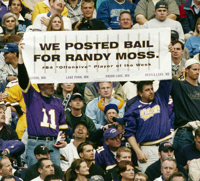 Though he had success on the field,  Moss ran into trouble in September 2002, when he spent a night in jail after being charged with a variety of traffic offenses in downtown Minneapolis. Police also discovered a small amount of marijuana in the ashtray of his Lexus. As this sign indicates, however, some Viking fans didn't mind the transgressions.