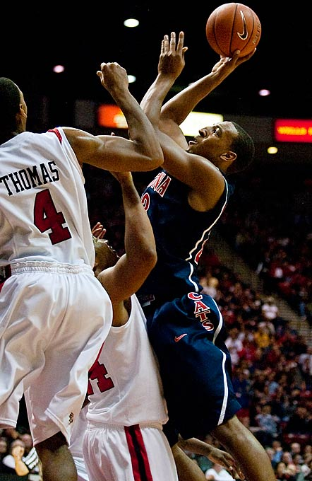 Overlooked coming out of high school, Williams burst on the scene during his first season in Tucson, averaging 15.7 points and 7.1 rebounds and running away with the Pac-10's Freshman of the Year award. What Williams lacks in pure athleticism and height, he more than makes up for with savvy post play, a long wing span and brute strength. He's also extremely efficient, shooting 57.4 percent from the floor. While Washington is the preseason favorite to win the Pac-10, many folks think Williams could carry the Wildcats to the conference crown.