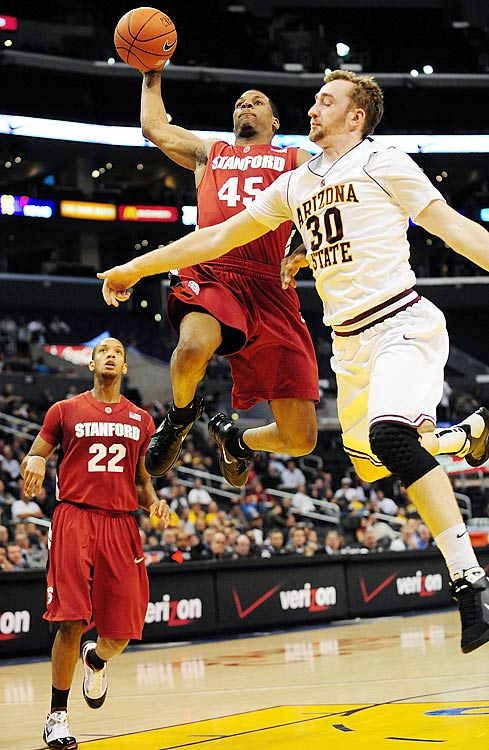Even as Landry Fields' sidekick last season, Green averaged 16.6 points per game, thanks to one of the sweetest strokes in the Pac-10. The junior boasts range well beyond the three-point line and isn't afraid to pull the trigger -- he launched nearly eight threes per game, converting a highly respectable 38.1 percent. After posting 10 20-point-plus games in 2009-10, he could easily double that mark this season.