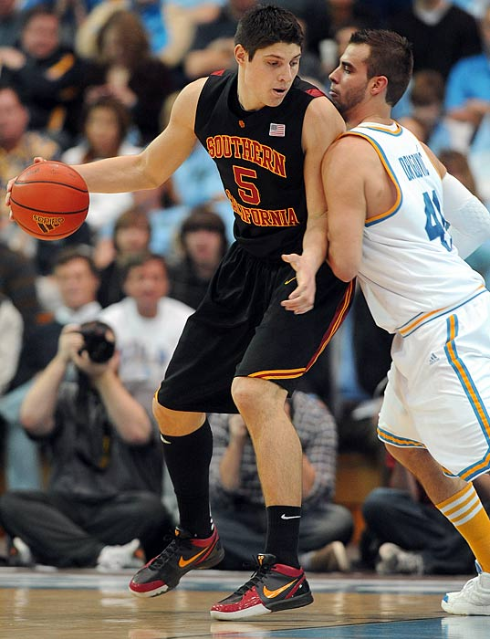 Vucevic made tremendous strides in his game last season, leading the Pac-10 with 9.4 rebounds per game and averaging 10.7 points and 1.3 blocks, to boot. And he showed flashes of a fantastic all-around skill set. Pairing Vucevic with fellow big Alex Stepheson, the Trojans should have the most formidable frontcourt in the conference.