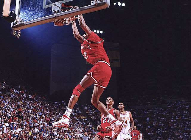 It's rare that a freshman comes up big in the NCAA tournament. Usually, it is during those moments that we are reminded that they are merely 18- or 19-year-old kids. But Pervis Ellison was the exception. He averaged a modest 13.1 ppg and 8.2 rpg for Louisville during the regular season, but stepped up big in the tournament, averaging 18 ppg and 12 rpg to lead the Cardinals to the 1986 national title.