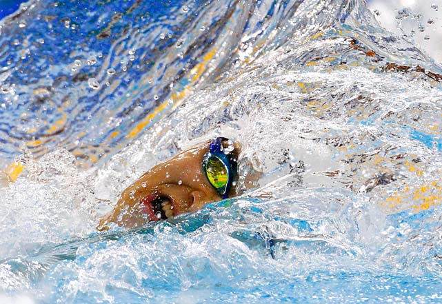 Sun Yang of China swims in the 200m freestyle final at the 16th Asian Games Nov. 14 in Guangzhou, Guangdong province, China.