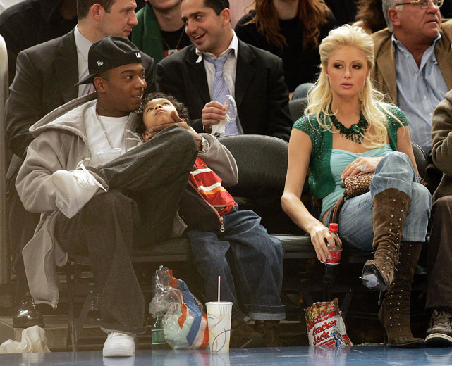 'Memba him? Ja Rule and his raspy voice love them some Knicks. And some Paris Hilton, apparently.
