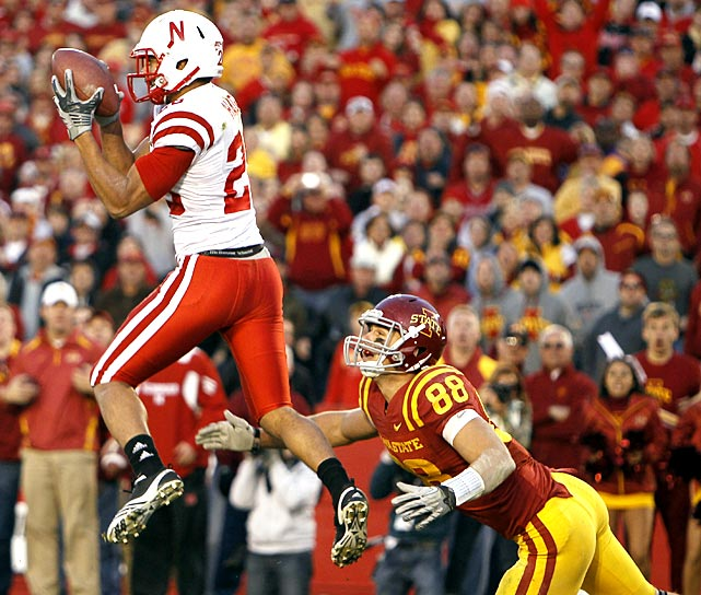 Iowa State took Nebraska to overtime, but the Cyclones couldn't knock off the Huskers for the second year running. Nebraska struggled with quarterback Taylor Martinez sidelined, but defensive back Eric Hagg intercepted holder Daniel Kuehl's pass on a fake two-point conversation attempt in OT to keep Nebraska atop the Big 12 North.