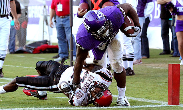 A win is a win -- except when it isn't. TCU remains undefeated after outlasting San Diego State, 40-35, but the Horned Frogs could suffer in the polls for failing to pile up style points. TCU had soared up the charts on the strength of its defense, and though the Horned Frogs held the Aztecs to just seven first downs, they allowed three touchdowns in the final 16 minutes. TCU is off in Week 12 before closing out its regular season against New Mexico in Week 13.