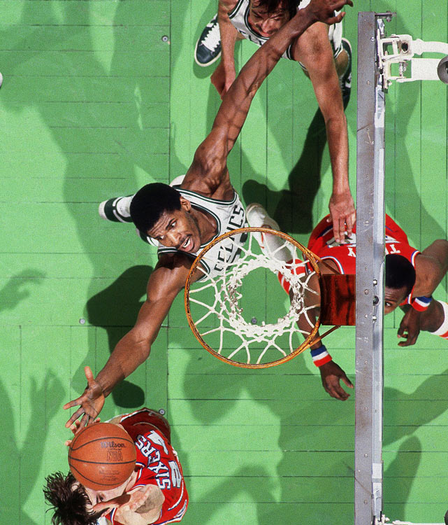 In 1994, the 40-year-old Parish averaged 11.7 points and 7.3 rebounds in his final season with the Celtics. He played the next two years in Charlotte before joining the Bulls as a deep reserve for the '96-97 season, where he collected a fourth NBA championship ring.