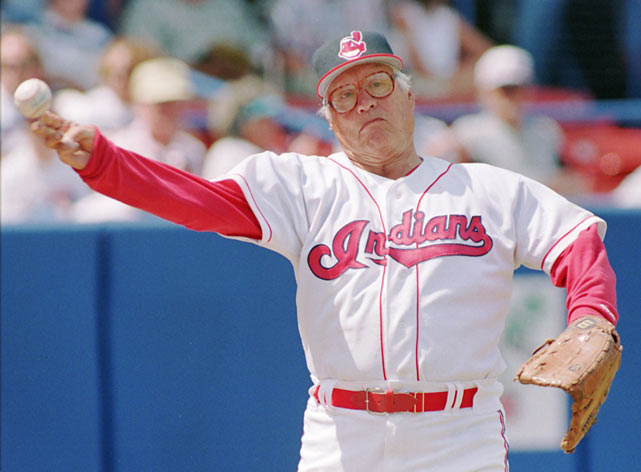 Feller tosses a few pitches before the start of the Indians-Royals spring training game in Winter Haven, Fla.