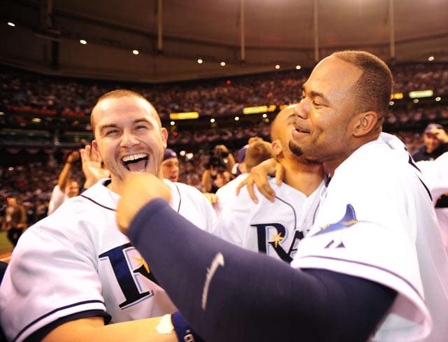 Crawford celebrates the Rays' World Series berth with Evan Longoria.