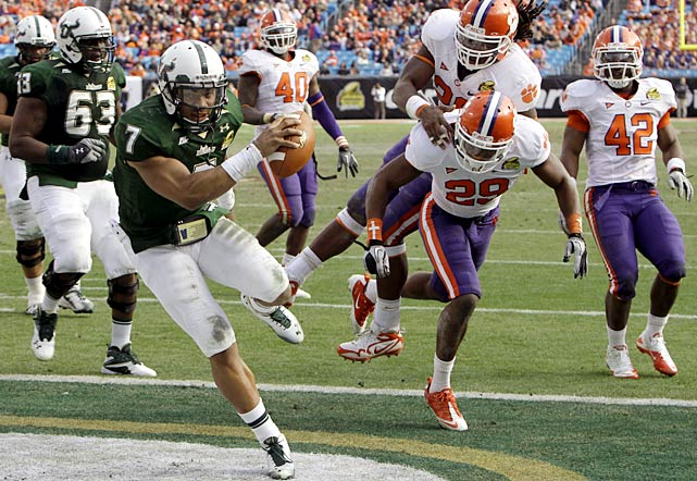 Make it five straight eight-win seasons for South Florida, which outlasted Clemson to finish Skip Holtz's first season as head coach with a 31-26 bowl victory. Quarterback B.J. Daniels passed for two touchdowns and ran for another to help the Bulls give the Tigers their first losing season in 11 years.