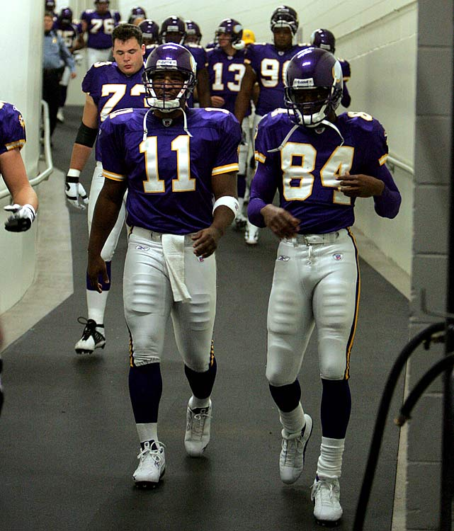 Daunte Culpepper and Randy Moss enjoyed landmark seasons in 2004, with Culpepper throwing for a club-record 4,717 yards and 39 touchdowns, and Moss pulling down 13 TDs in his last year with the Vikings (in his first go-round, at least). On the whole, Minnesota lost four of its last five games to finish at 8-8. But the club got a measure of redemption in the wild-card round, booting Brett Favre and the Packers, before getting ousted by Philly the following week.