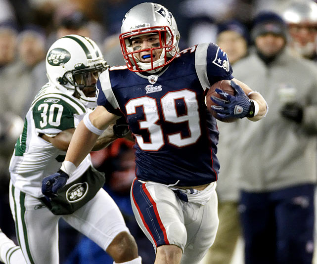 Woodhead, a member of the Jets last season and in training camp this year, was waived early in the year and signed by the Patriots after Laurence Maroney was traded. He scored a touchdown in his first game with New England and eventually became a serviceable third running back, with season highs in carries (13) and yards (93) in Week 16.
