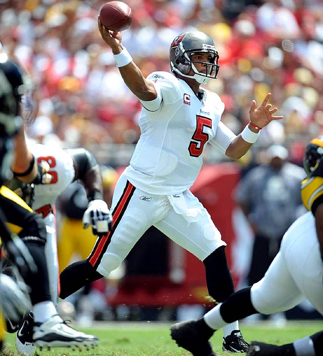 Would you believe Josh Freeman was the 14th best player in fantasy football in Yahoo! standard scoring leagues? Believe it! The second-year player threw for 23 touchdowns against just 6 interceptions. He threw for a career-high five scores against the Seahawks in the fantasy semifinals.
