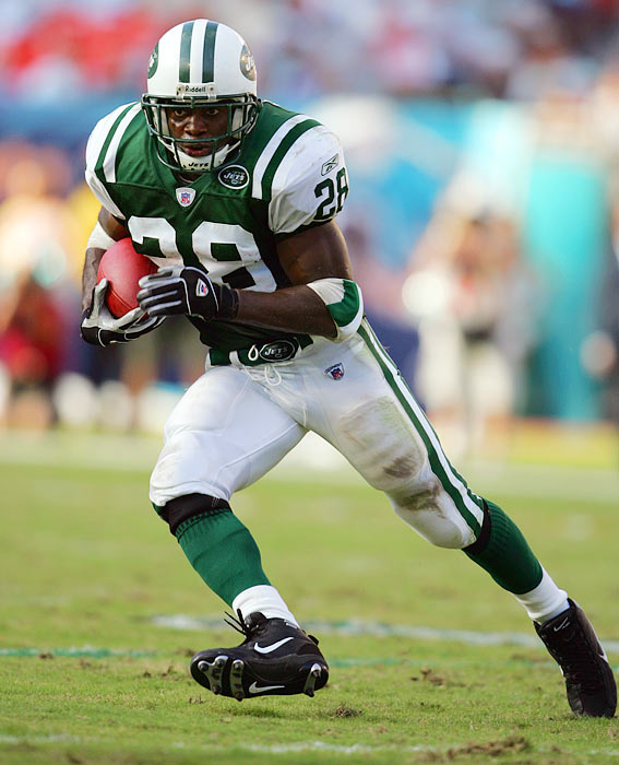 In only 11 seasons, Curtis Martin amassed 14,101 yards with the Patriots and Jets, retiring as the fourth all-time leading rusher. He was named to five Pro Bowl teams and logged 90 career rushing touchdowns.