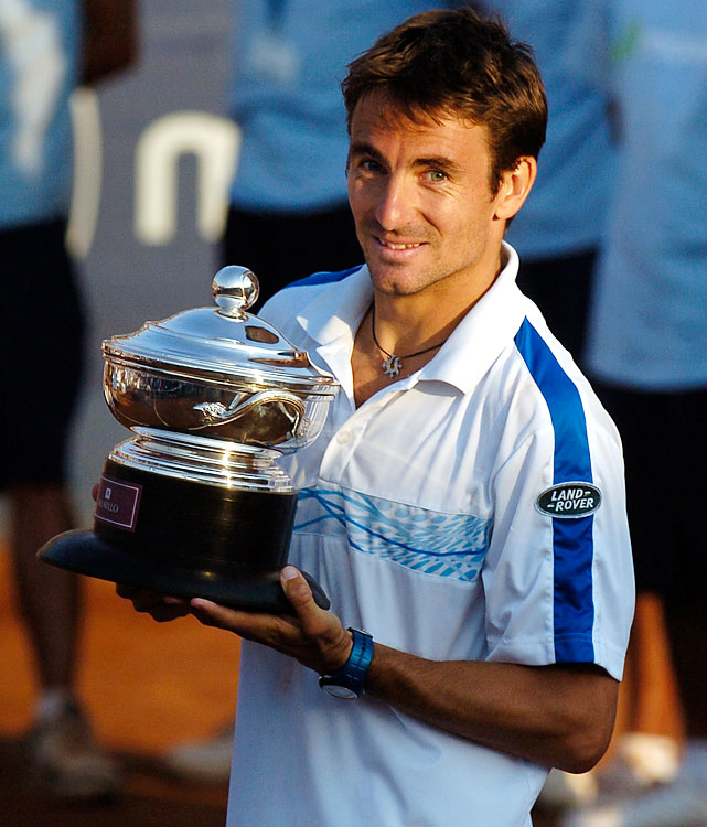def. Santiago Giraldo, 6-2, 2-6, 7-6 (5) ATP World Tour 250, Clay, $398,250 Santiago, Chile