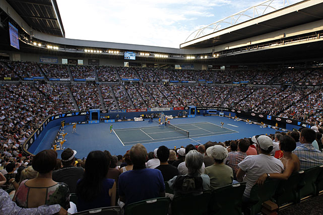A capacity crowd watches Saturday's women's singles final between Belgium's Kim Clijsters and China's Ni La.