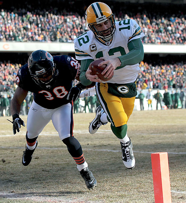Aaron Rodgers opened the scoring with a 1-yard keeper in the first quarter, capping the Packers' 62-yard touchdown drive. On the day, Rodgers threw for 244 yards against the Bears.