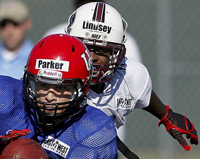 Lindsey accomplished what a small school cornerback must display against better competition -- a willingness to challenge opponents without intimidation. He showed a few flaws in his game the final day of full pads practice but overall it was a productive week for the SIU prospect.