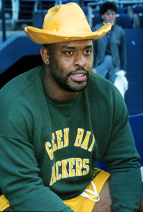 Reggie White's 68.5 sacks as a Packer rank second all time and his 198.5 career sacks is the second best in NFL history.