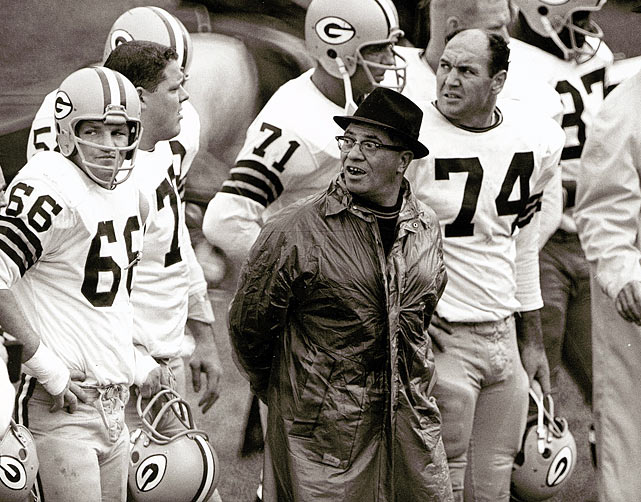 Vince Lombardi and Ray Nitschke during a 1963 game against the Chicago Bears.