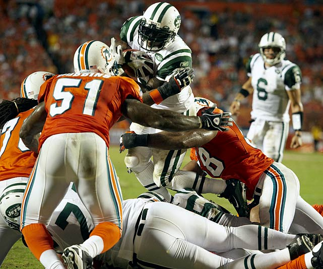 The Colts are quite familiar with Tomlinson's work. He was supposed to be on his last legs when he left San Diego for New York. Tomlinson was a huge reason the Jets started the 2010 season strongly. After slowing late in the year, Tomlinson is rested, and with Shonn Greene will be a big part of any plans the Jets have for a strong finish to the season. Here's a little clip-and-save, too, considering Rex Ryan's personality and Tomlinson's passing abilities. With the Colts stacked against the Jets' ground game, don't be surprised to see Tomlinson loft a pass off a rushing attempt. He's completed eight NFL passes -- seven for touchdowns.