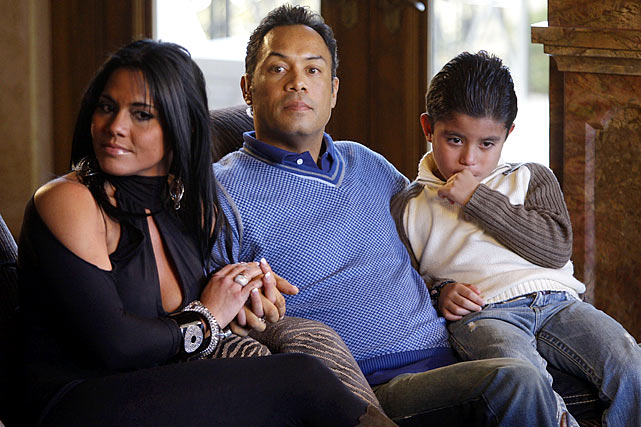 Alomar and his wife, Maria, and son, Roberto, at their home in Queens, N.Y., in 2010 on the day the Hall of Fame votes were announced. He missed being inducted by eight votes.