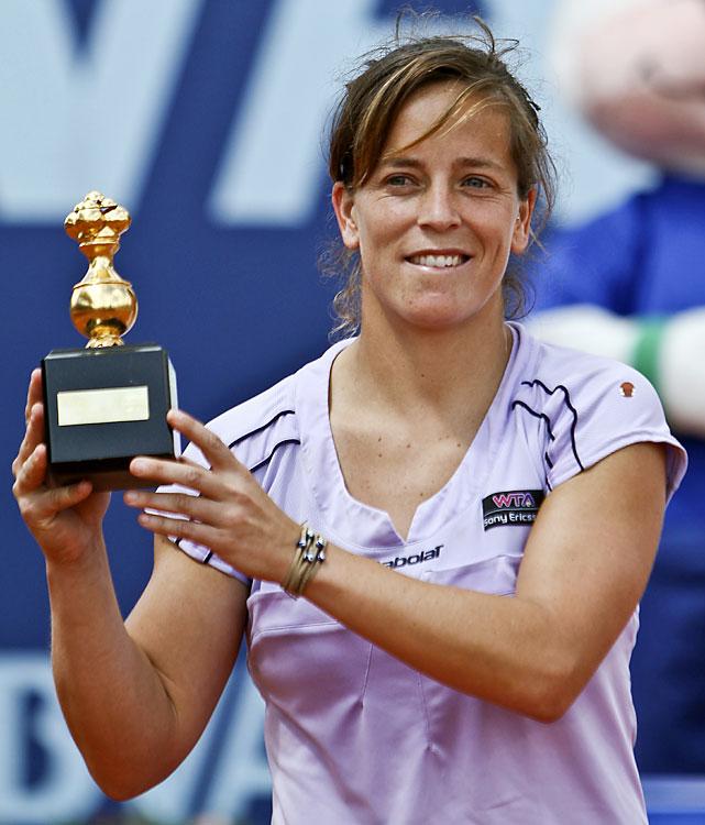 def. Mathilde Johansson 2-6, 6-3, 6-2 WTA International, Clay, $220,000 Bogota, Colombia