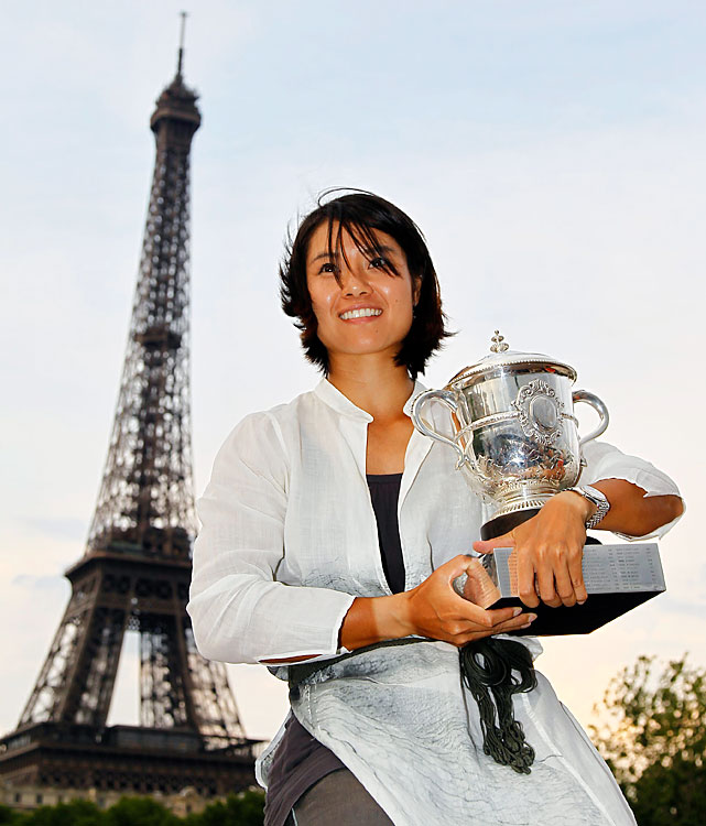 def. Francesca Schiavone, 6-4, 7-6(0) Grand Slam, Clay (Outdoor), $9,938,926 Paris