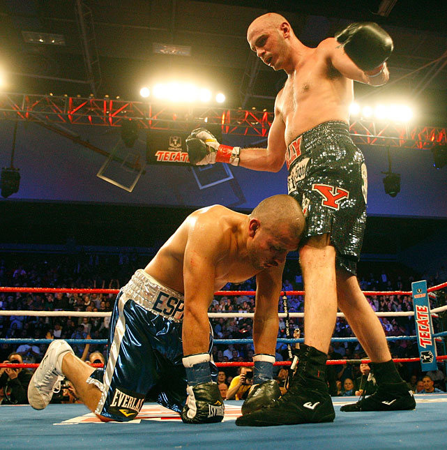Later in 2009, Pavlik retained the title with a fifth-round TKO of mandatory contender Miguel Espino.