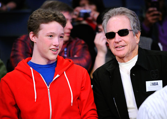 The actor, sitting with his son Benjamin, enjoyed some of the best seats in the house for Sunday's game.