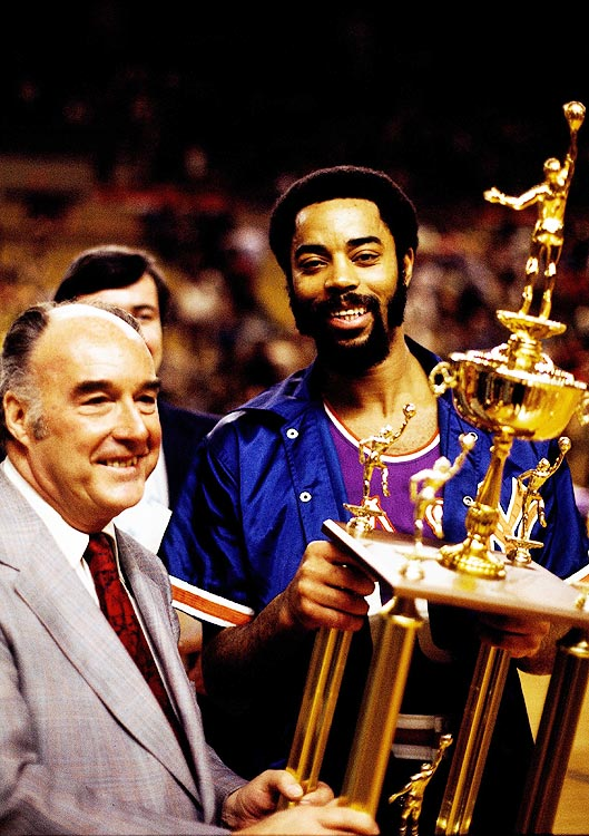 Walt Frazier scored a game-high 30 points as the East topped the West 108-102 in Phoenix.