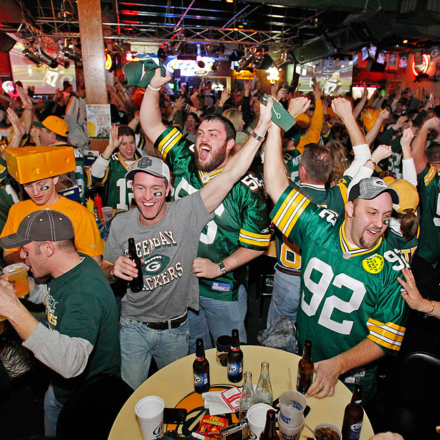 The scene from the Stadium View Bar in Green Bay.
