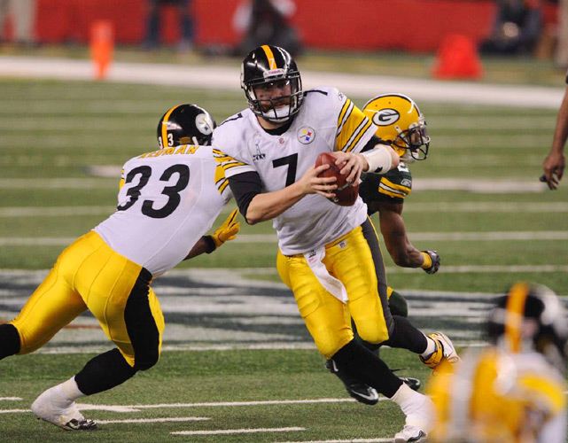 Steelers quarterback Ben Roethlisberger scrambles from the pocket during the third quarter.