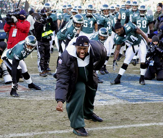 The 2004 Eagles played in a haggard NFC East that season, and their margins with  point differential (7.9) and turnovers (plus 6) were anything but stellar. But  there's no disputing Philly's greatness with Terrell Owens in the starting  lineup -- try 13-1. And it could have been 15-1 if a broken leg hadn't shelved  Owens for most of December and all of January -- but not the Super Bowl in  February, as T.O. defied the medical odds and caught nine balls for 122 yards in  the Eagles' 24-21 loss to the Patriots.