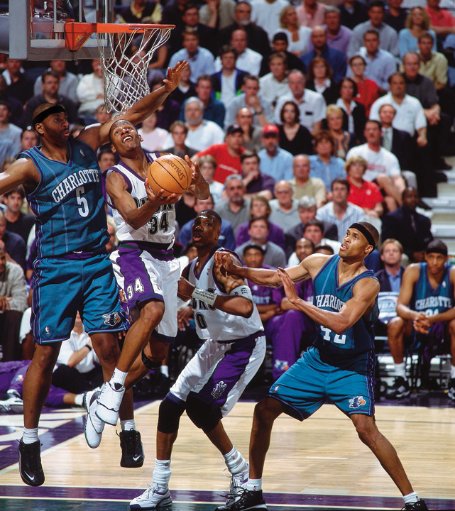 """Allen was a consistent inside-outside threat for the Bucks from 1996-2003. In the 2000-2001 season, Allen, along with his first """"Big Three"""" teammates Sam Cassel and Glenn Robinson, advanced to the Eastern Conference Finals."""