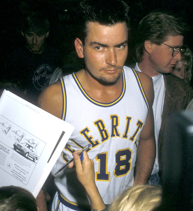 Sheen, a fixture on the celebrity sports circuit of the late '80s, gets ready for the annual Police-Celebrity Basketball Game.