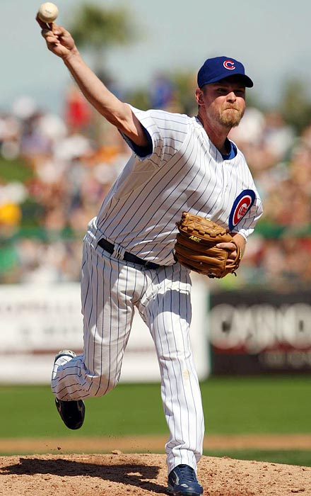 Wood's rookie season of 1998 was highlighted by a record-tying 20-strikeout performance in just his fifth major league start at age 20. He won the NL Rookie fo the Year award but underwent Tommy John surgery before the 1999 season, which he missed while recovering. Wood returned in 2000 and has made All-Star teams as both a starter and reliever while extending his career into a third decade.