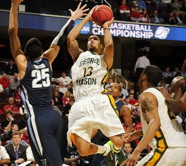 After trailing by 10 in the first half, George Mason and Isaiah Tate (13) rallied back to defeat Villanova in the round of 64.