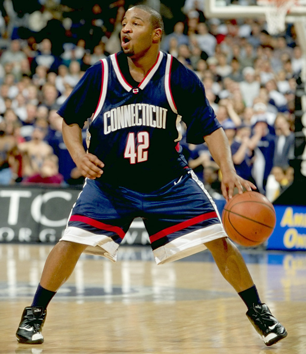 Classic Photos of UConn Men's Basketball | SI.com